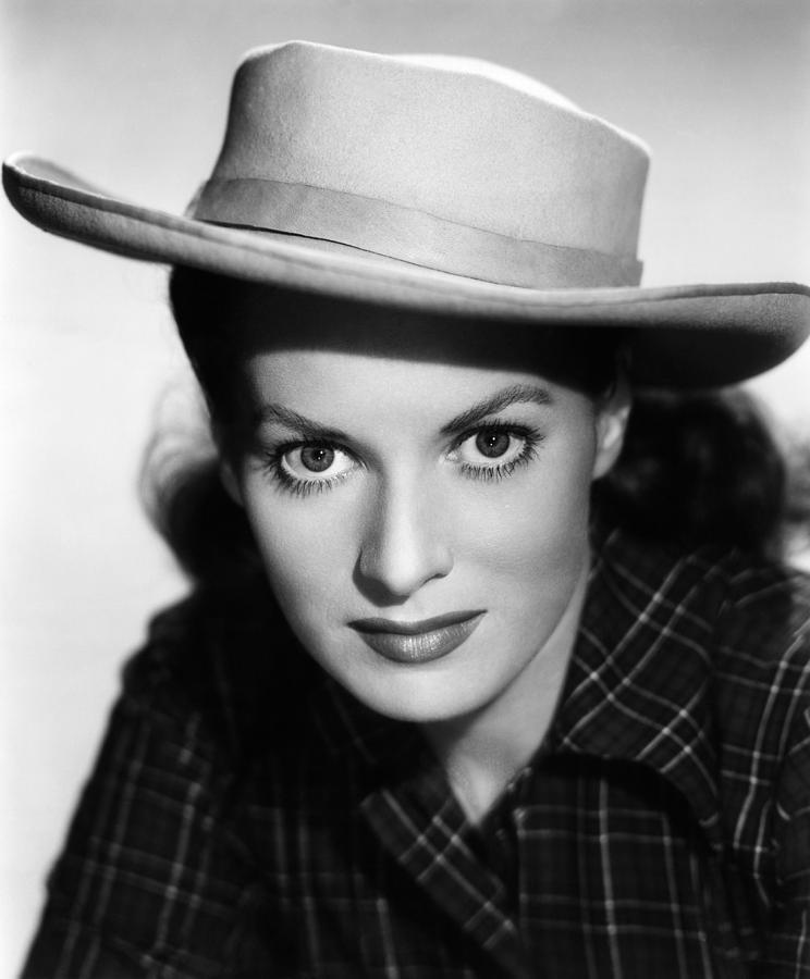 Maureen O'Hara, Kangaroo Promotional Shot