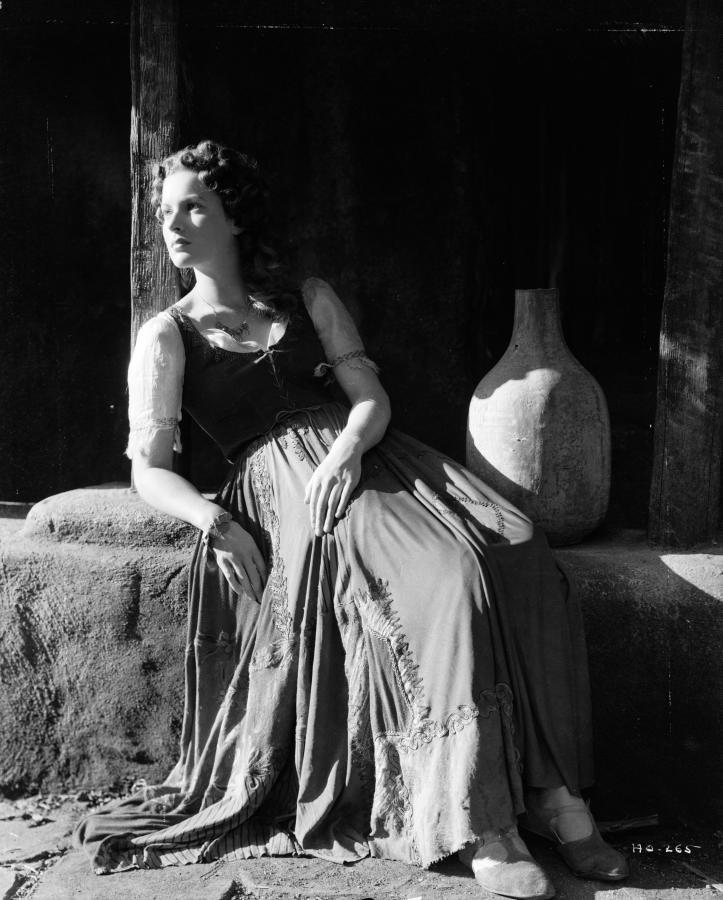 Maureen O'Hara - The Hunchback of Notre Dame