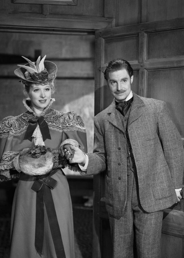 Greer Garson and Robert Donat in Goodbye, Mr. Chips (1939)