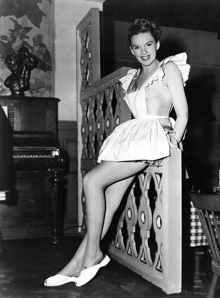 Judy Garland - Behind the Scenes of Easter Parade
