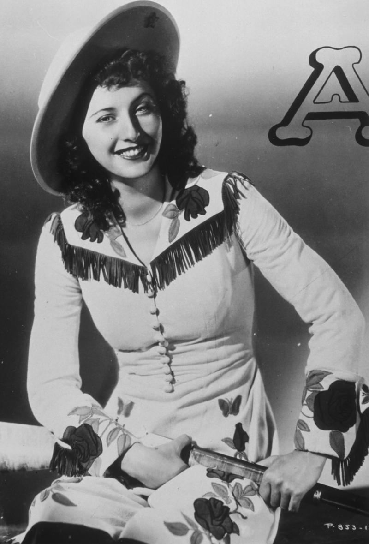 Barbara Stanwyck, Annie Oakley