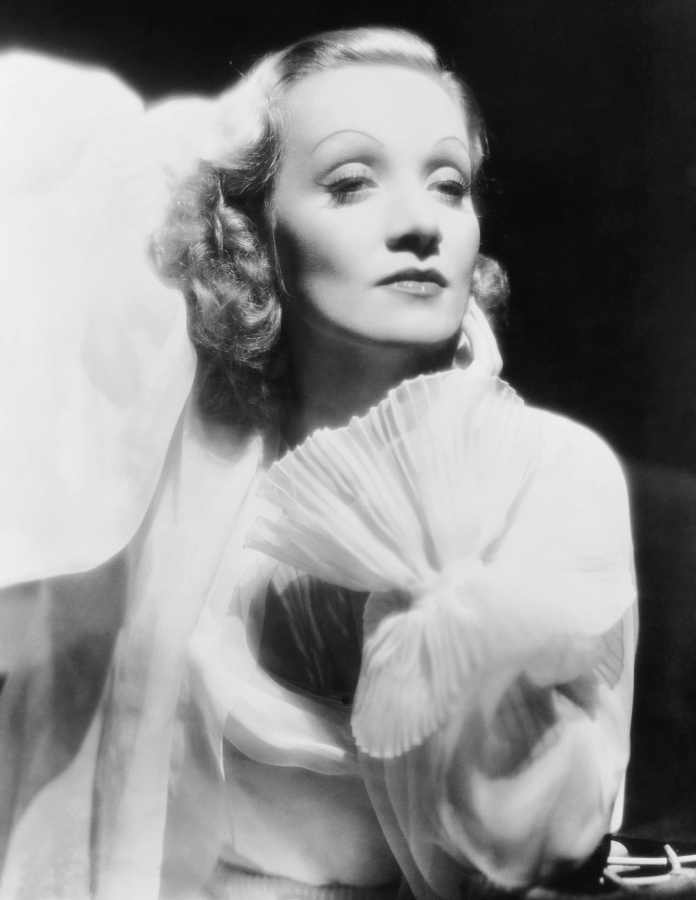 Marlene Dietrich, The Garden of Allah