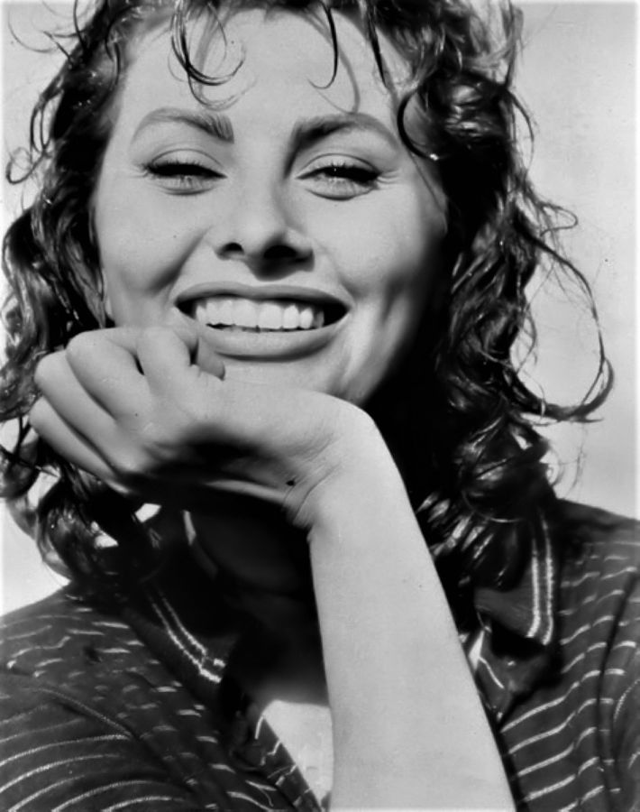 Sophia Loren, Boy on a Dolphin Promo Shot
