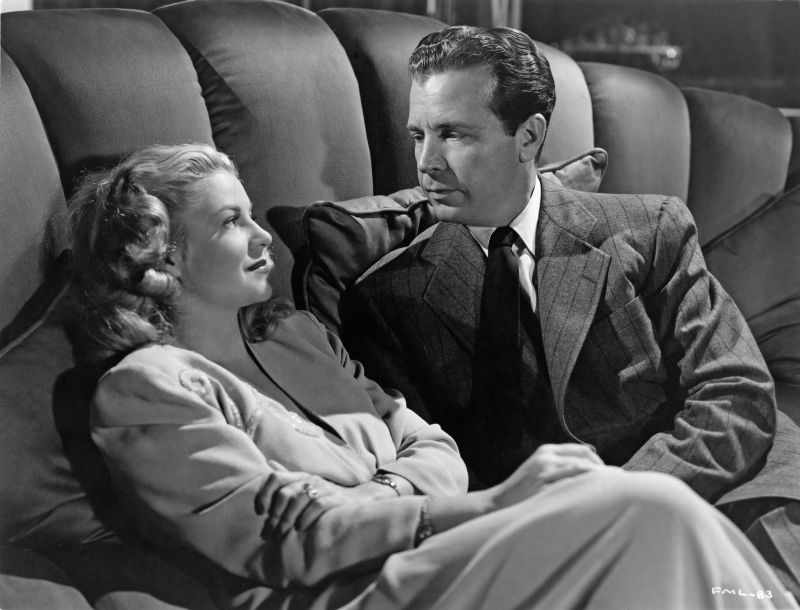 Claire Trevor and Dick Powell in Murder My Sweet