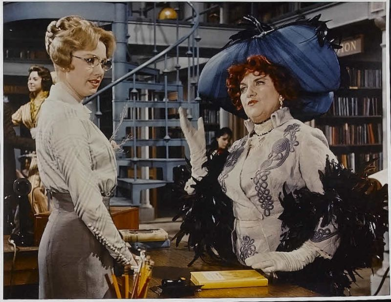 Shirley Jones and Hermione Gingold in The Music Man