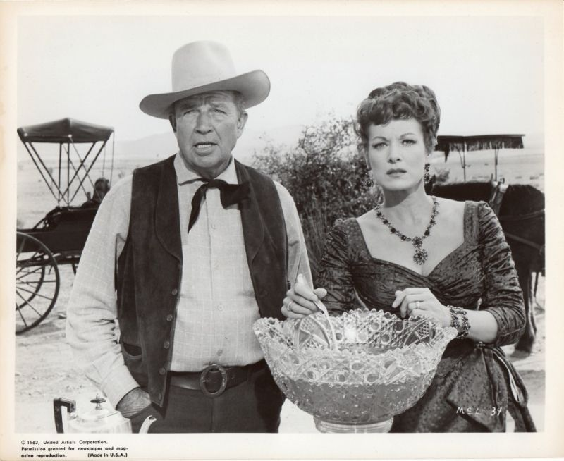 Maureen O'Hara and Bruce Cabot