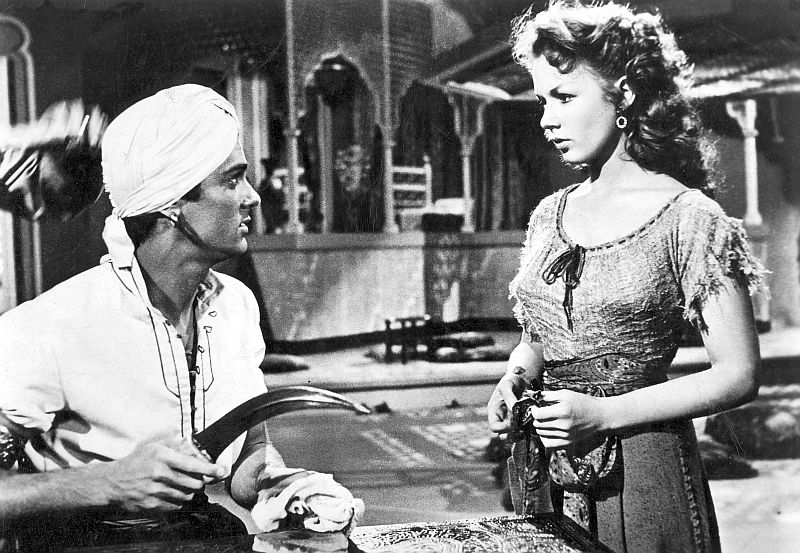Tony Curtis and Piper Laurie