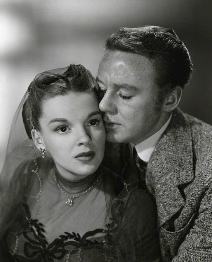 In the Good Old Summertime, Van Johnson and Judy Garland
