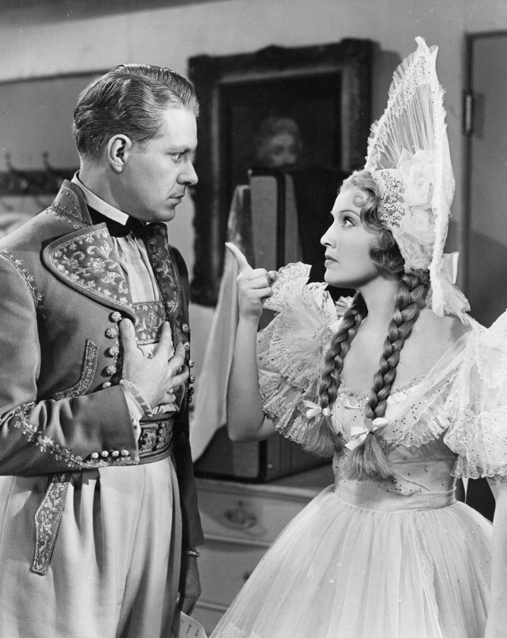 Jeanette MacDonald and Nelson Eddy in Sweethearts