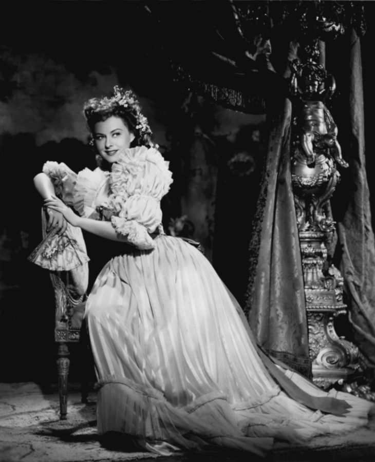 Paulette Goddard in Kitty
