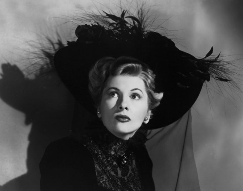 Joan Fontaine, Ivy