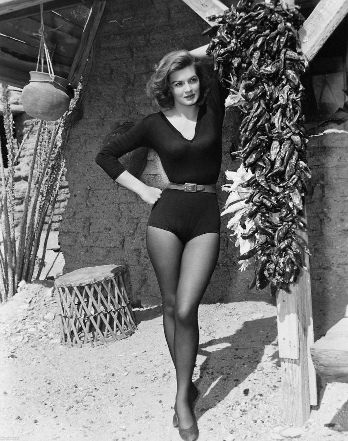 Angie Dickinson, Rio Bravo