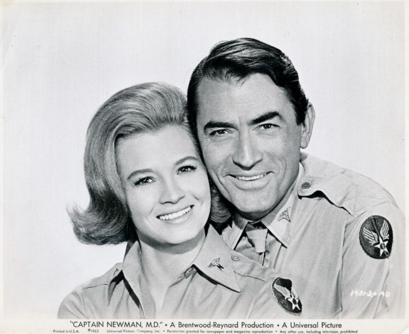 Angie Dickinson and Gregory Peck, Captain Newman MD