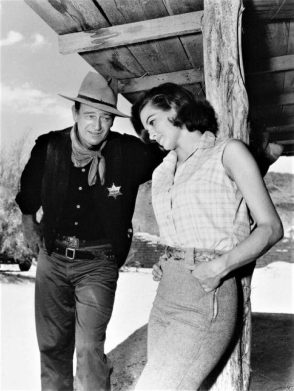 Angie Dickinson and John Wayne, Rio Bravo