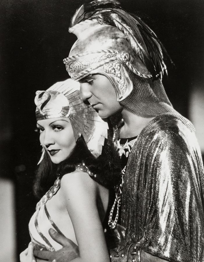 Henry Wilcoxon and Claudette Colbert in Cleopatra