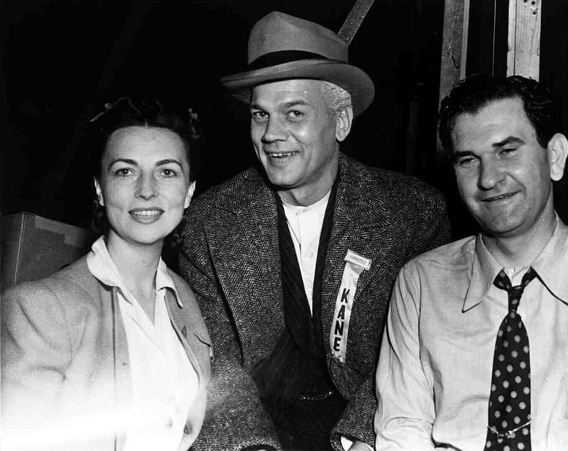 Agnes Moorehead, Joseph Cotten, and Eddie Donahoe behind the scenes of Citizen Kane