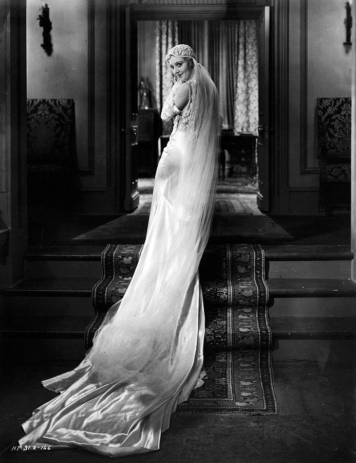 Madge Bellamy, in White Zombie