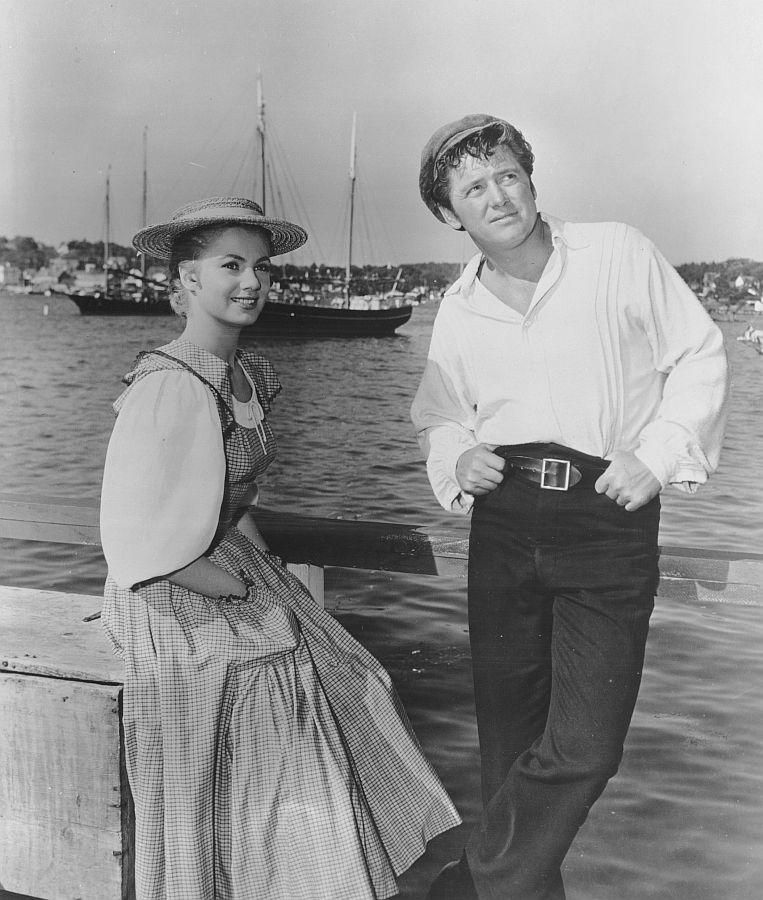 Shirley Jones and Gordon MacRae in Carousel